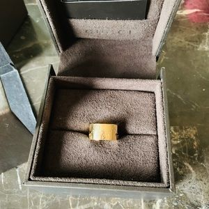 Gucci icon wide ring 18K YG